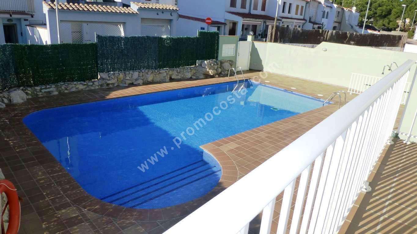 L 39 escala appartement avec vue sur la mer for Construction piscine 972