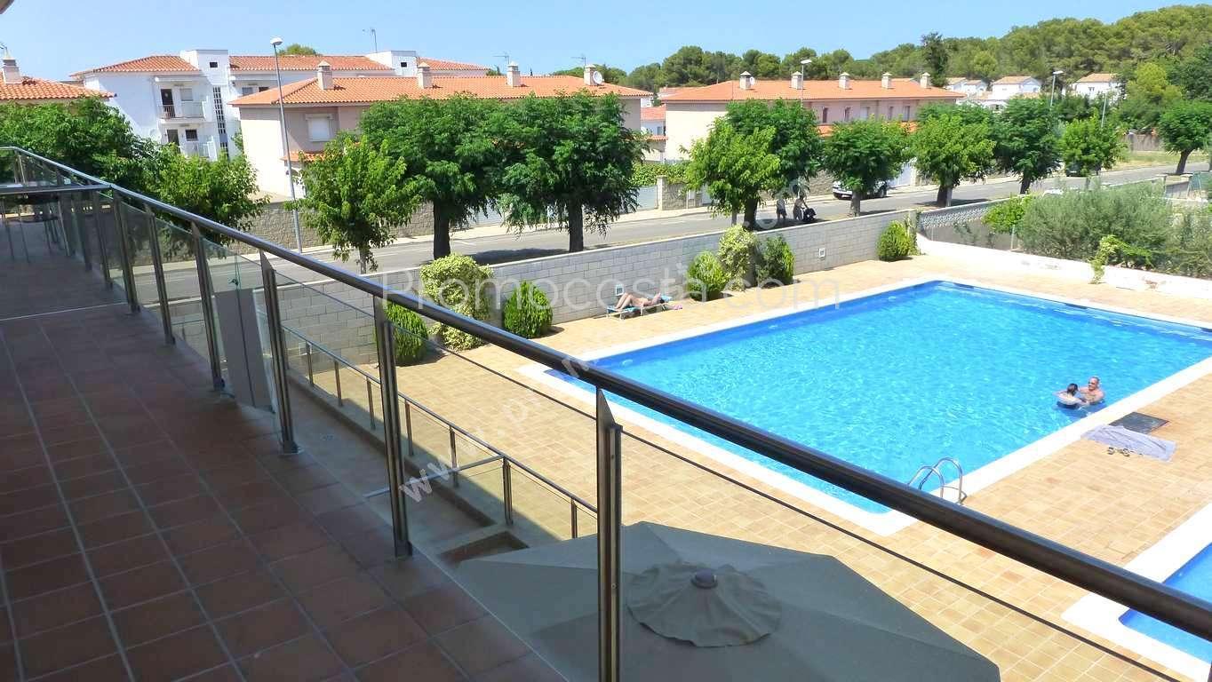 L 39 escala appartement confortable avec piscine communautaire for Construction piscine 972