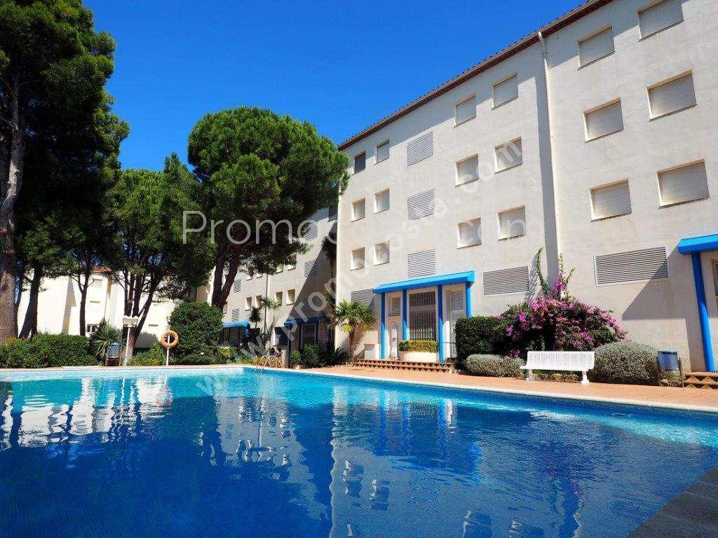 L 39 escala appartement f3 avec jardin et piscine for Appartement bordeaux avec piscine
