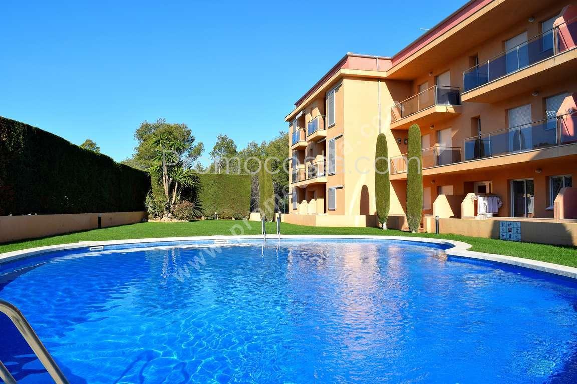 L 39 escala appartement avec vue mer et piscine for Appartement piscine
