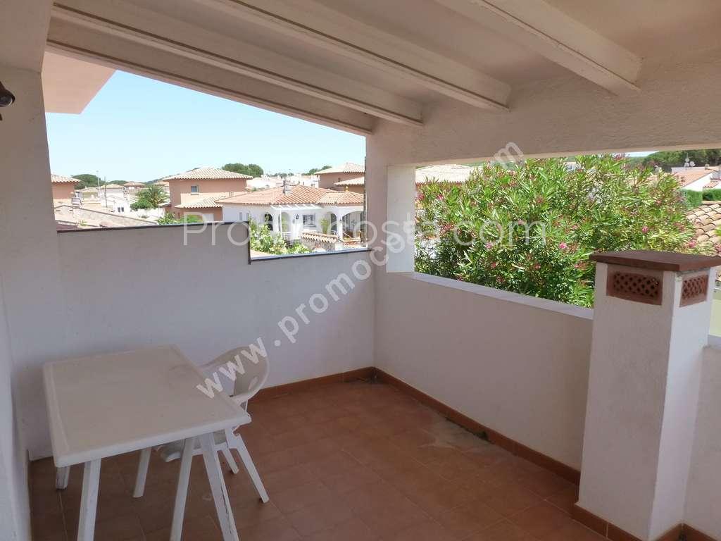 L 39 escala riells de dalt maison avec jardin et piscine for Casa y jardin abc color