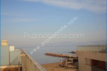 L'Escala - Duplex with sea views