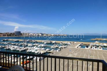 L'Escala - Apartment with sea and harbor view