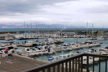 L'Escala - Renovated duplex with great sea views