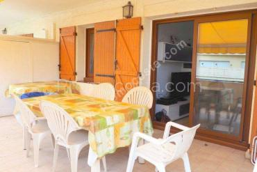 L'Escala - Renovated apartment ,50 meters from the beach