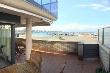 L'Escala - Apartamento planta baja con vistas mar 170m playa