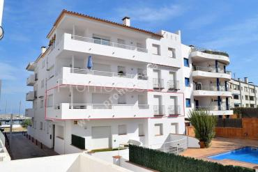 L'Escala - Very nice apartment located in 1st line of sea
