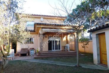 L'Escala - House located  400m from the Ampurias beach