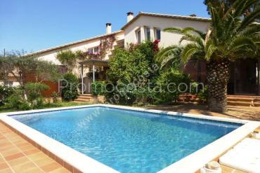 L'Escala - Maison avec jardin et piscine privée