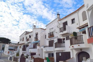 L'Escala - Townhouse just 200m from the beach