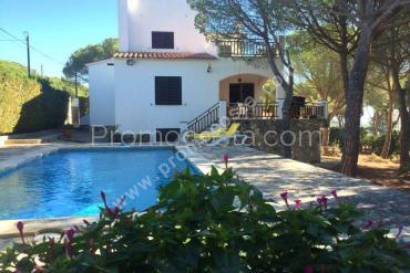L'Escala - Maison individuelle avec grand jardin et piscine