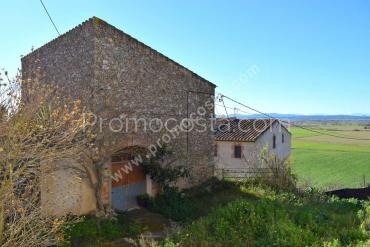 Bellcaire - Large rustic house to renovate