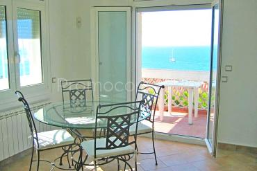 L'Escala - Apartment with sea view and a large terrace