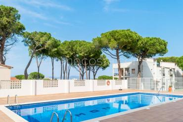 L'Escala - Apartment with swimming pool