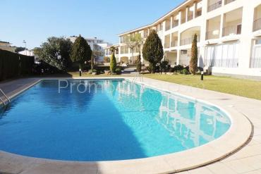 L'Escala - Apartment with community pool and garden very close to the beach