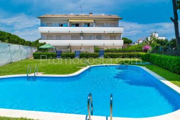 L'Escala - Apartamento con piscina y vistas despejadas