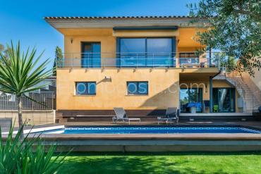 L'Escala - Casa de diseño con vistas y piscina privada