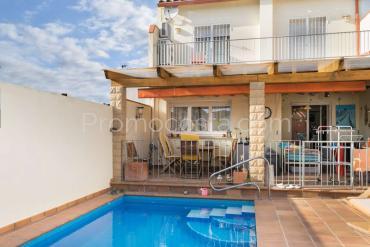 L'Escala - Casa con piscina privada cerca de los negocios