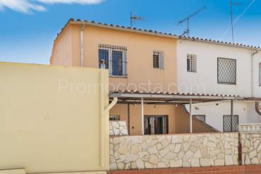 L'Escala - Casa con garaje a 100m playa