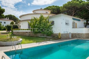 L'Escala - Casa única con un gran jardín y piscina