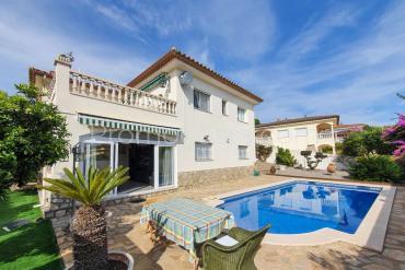 L'Escala - Casa con piscina y vistas al mar
