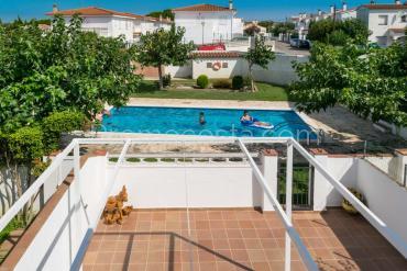 L'Escala - Casa con 4 dormitorios dobles y piscina