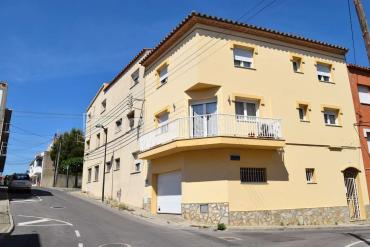 L'Escala - Casa impecable molt ben situada, amb vistes al mar