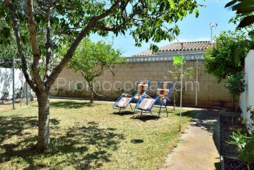 L'Escala - Independent ground floor house with garden