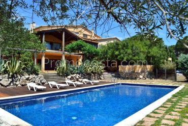 L'Escala - Impresionante casa con piscina y vistas al mar