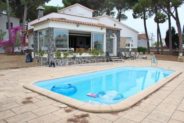 L'Escala - Detached house with private garden and pool, near the Old Town