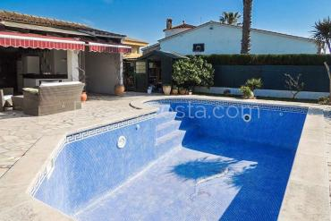 Ventalló-Mas Gros - Ground floor house with garden and private pool