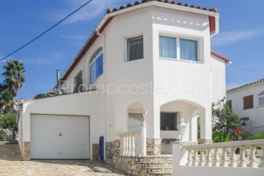 L'Escala - Casa independiente con jardín privado a 1300m de la playa de Riells