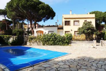 L'Escala - Casa con piscina cerca de la playa de Montgo