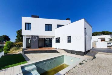 L'Escala - Casa soleada con piscina privada