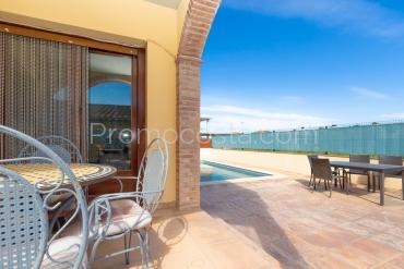 Albons - Casa con piscina en Albons