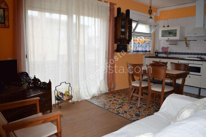 L'Escala, Carrefour- Appartement F3 au 1er étage