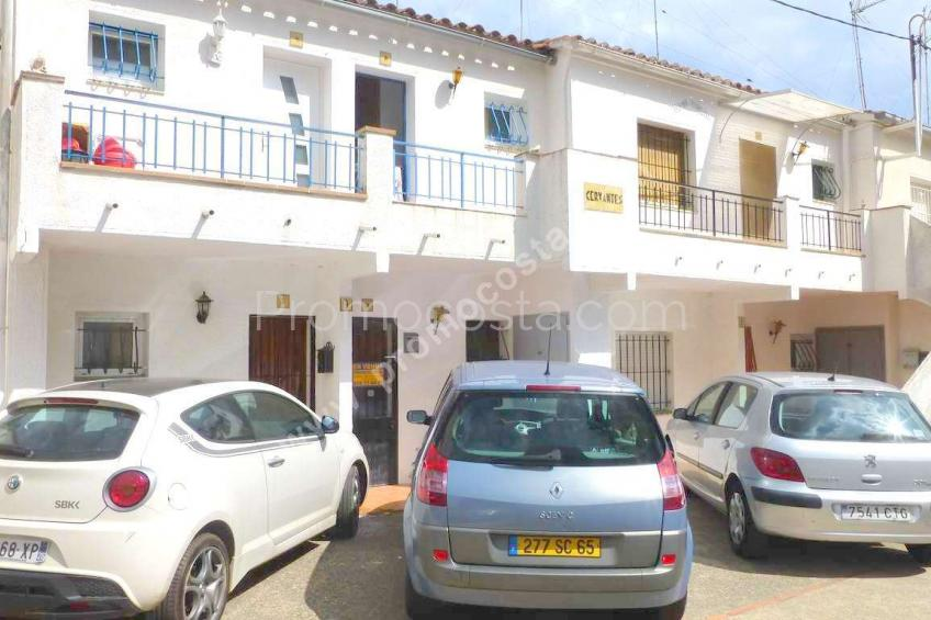 L'Escala, Apartment situated at 150m from the Riells beach