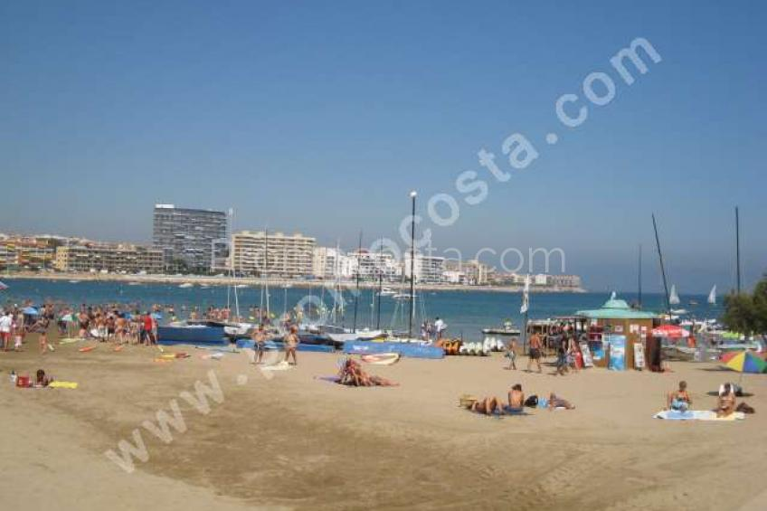 L'Escala, Riells beach-sea views