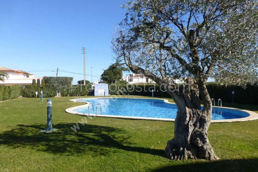L'Escala, Apartamento con vista a la piscina comunitaria