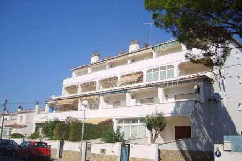 L'Escala, Nice apartment about 300m from the beach