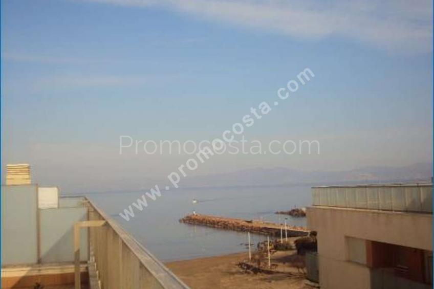 L'Escala, Dúplex con  preciosas vistas al mar