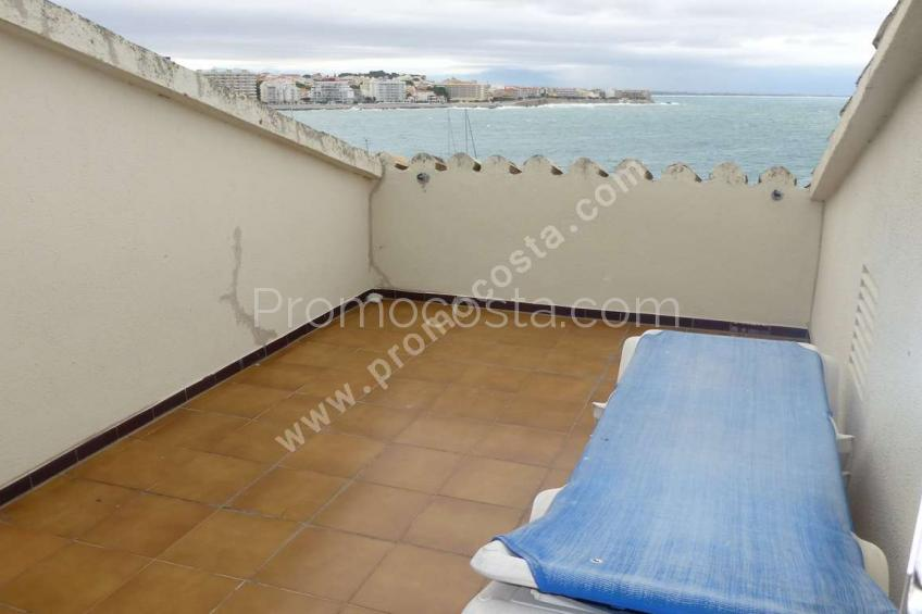 L'Escala, Renovated duplex with great sea views