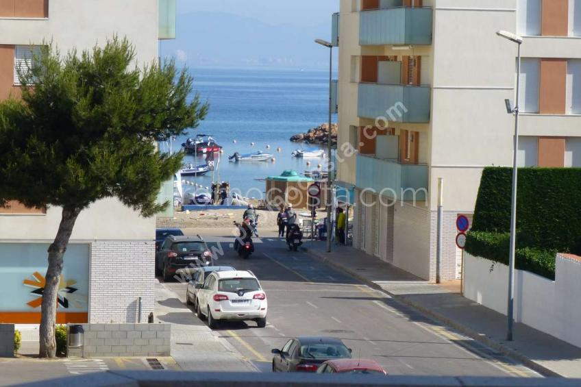 L'Escala, Apartment located just 100m from the Riells beach