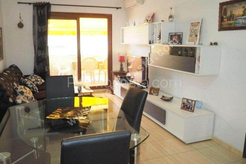 L'Escala, Renovated apartment ,50 meters from the beach