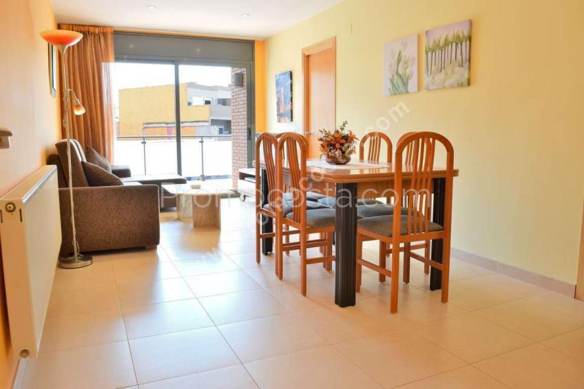 L'Escala, Apartamento con terraza grande y 3 habitaciones