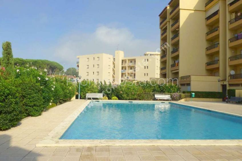 L'Escala, Spacious apartment with pool 100m from the beach