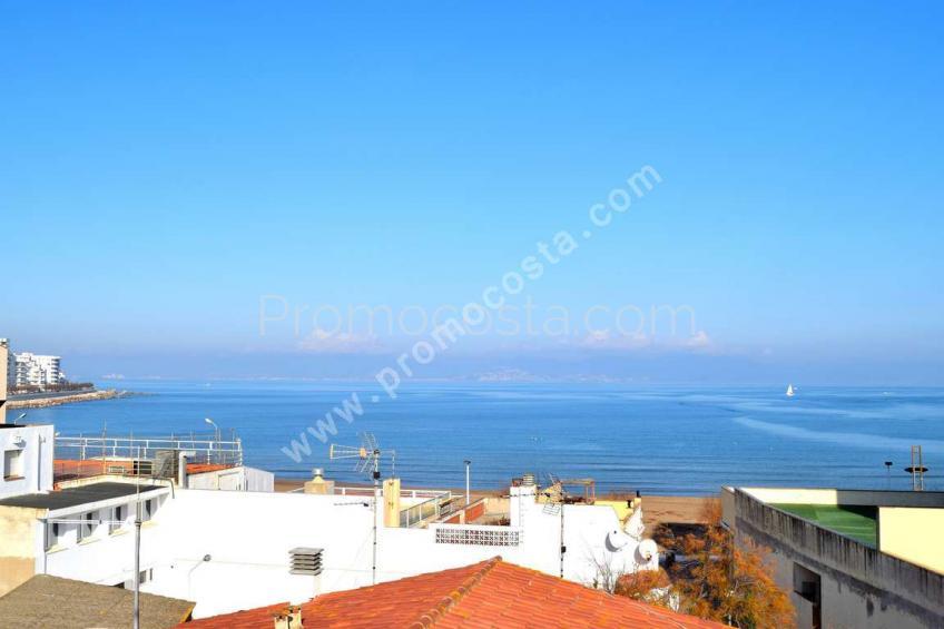 L'Escala, Dúplex con vistas al mar