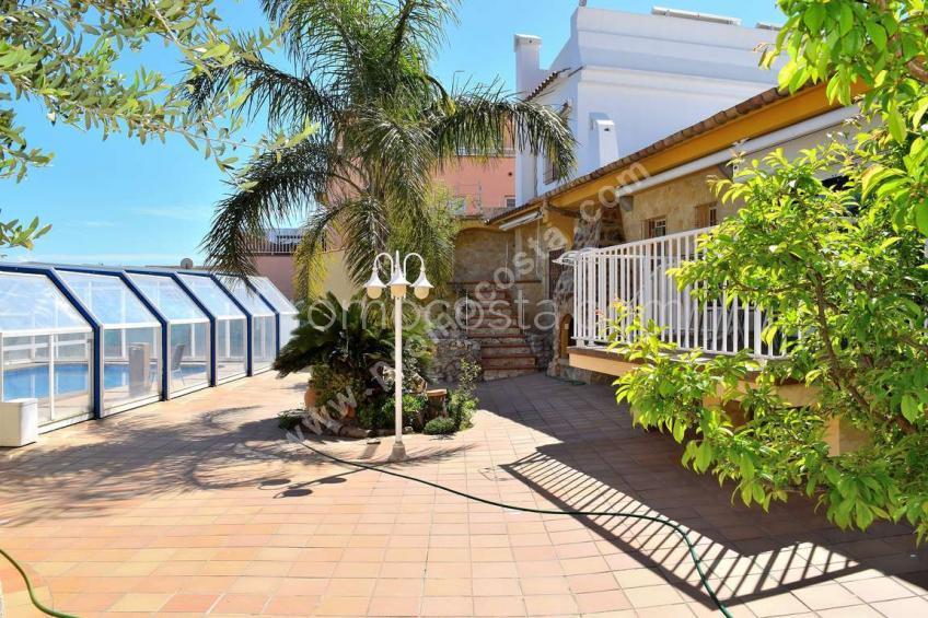 L'Escala, Estupenda casa con vista al mar