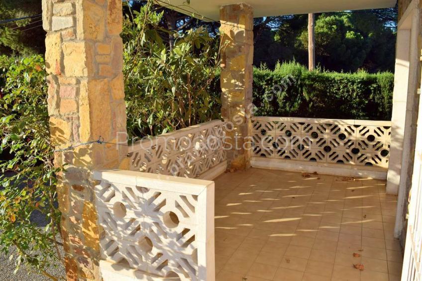 L'Escala, Casa con jardín privado a unos 900m de la playa
