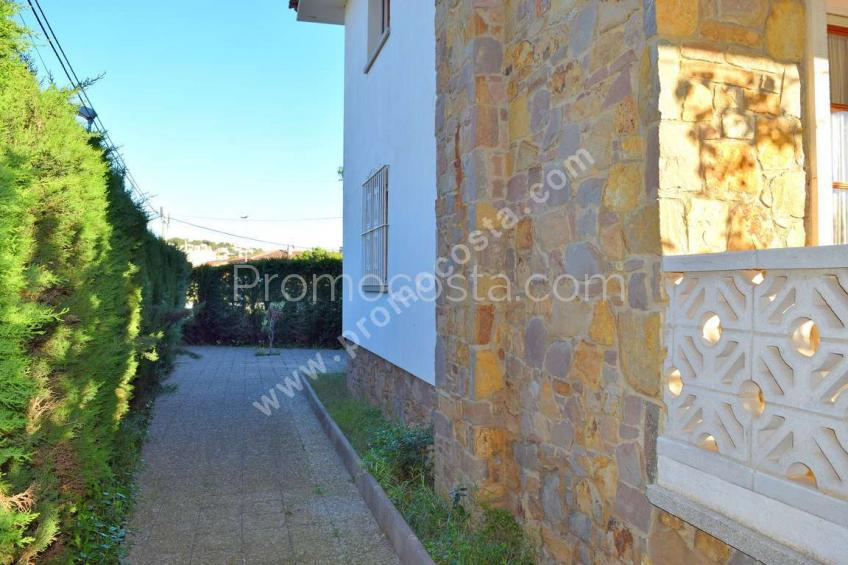 L'Escala, House with private garden only 900m from beach